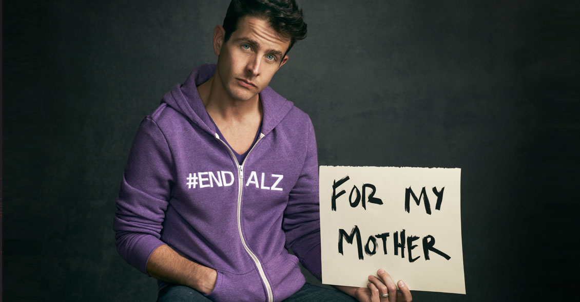 Joey McIntyre supports Alzheimer's awareness in honor of his mother.